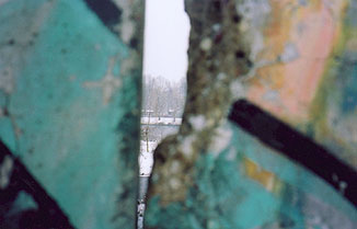 hole, berlin wall